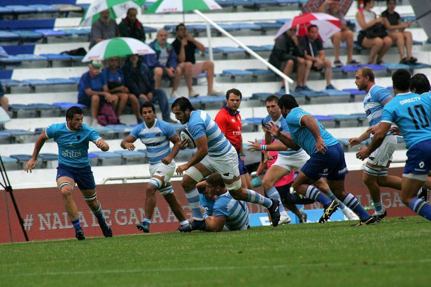 Un'azione di gioco in Argentina-Uruguay, che saranno protagoniste al 4 Nazioni Sudamericano (ph. UAR)