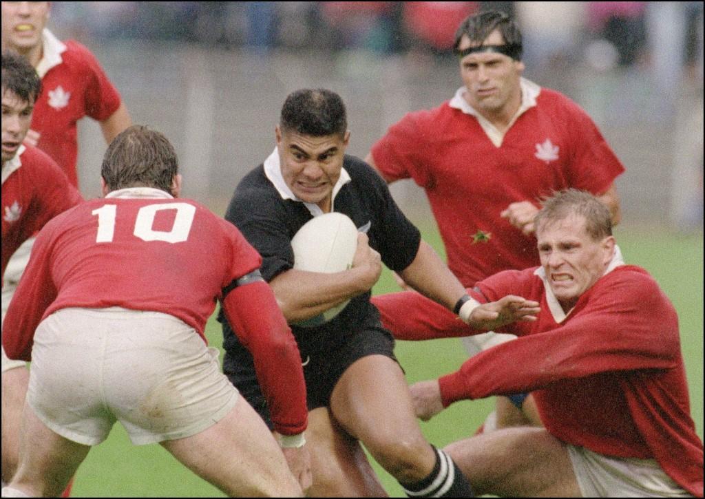 Varaiga Tuigamala durante la sfida con il Canada nel 1991 - AFP