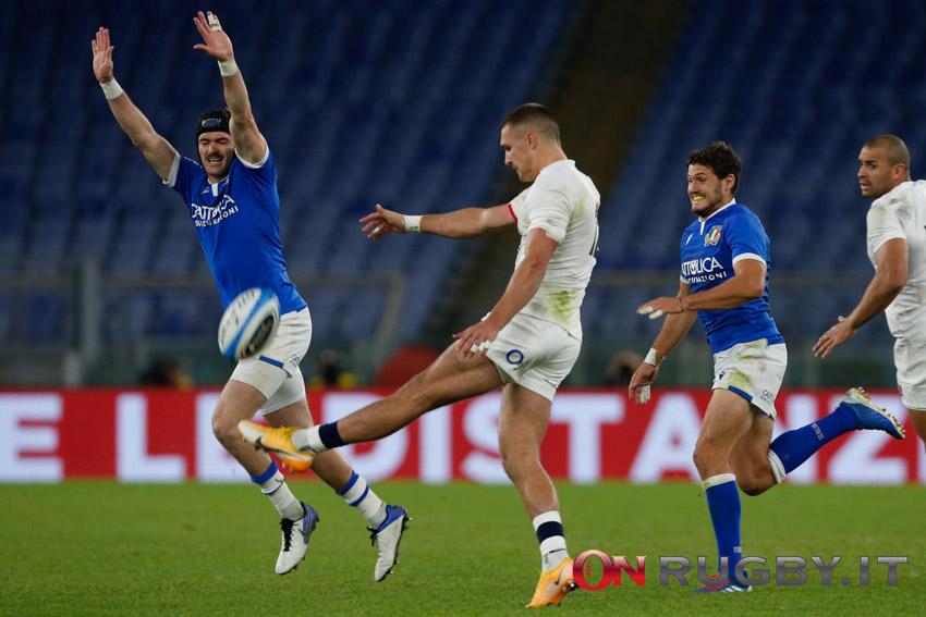 Rugby gioco al piede