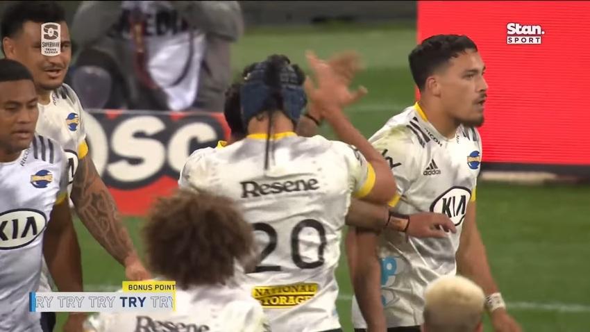 Super Rugby: il 64-48 di Warathas-Hurricanes che record ha battuto?