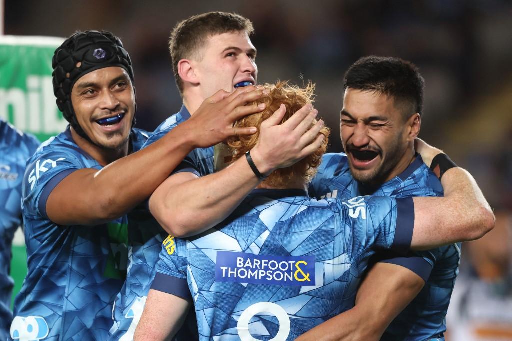 SR Trans-Tasman: i Blues tornano a vincere un trofeo dopo 18 anni (Photo by MICHAEL BRADLEY / AFP)